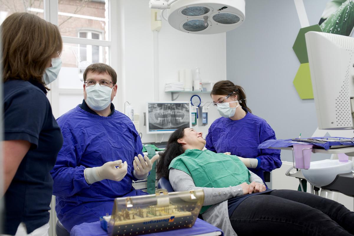 Zahnarzt Heinsberg + Implantologie